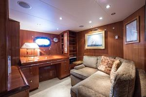 73' Hatteras 72 Motor Yacht 2008 Master Suite Office/Lounge