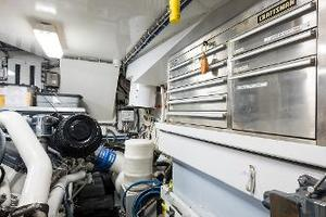73' Hatteras 72 Motor Yacht 2008 Tool Box & Work Station