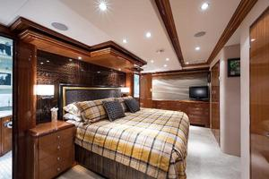 72' Hatteras 72 Motor Yacht 2008 Master Stateroom to Port