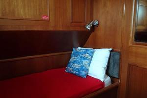 47' Grand Banks Heritage 47 EU 2006 Guest Cabin