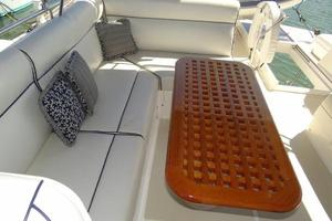 47' Grand Banks Heritage 47 Eu 2006 Flybridge Seating and Table
