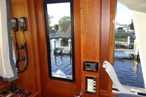 47' Grand Banks Heritage 47 Eu 2006 Starboard Entry Door