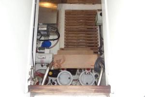 47' Grand Banks Heritage 47 EU 2006 Engine Room