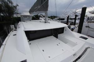 39' Leopard 40 2018 Forward Deck