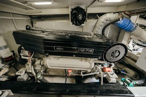 59' Marquis Flybridge Motor Yacht 2004 Engine Room