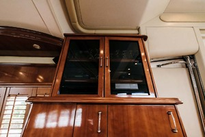 59' Marquis Flybridge Motor Yacht 2004 Salon Cabinet