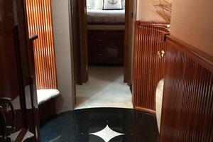 59' Marquis Flybridge Motor Yacht 2004 Hallway