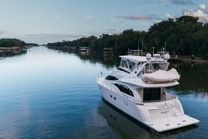 59' Marquis Flybridge Motor Yacht 2004 Underway
