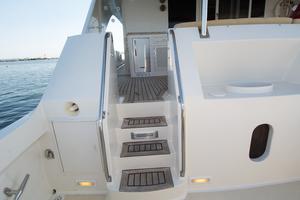88' Knight & Carver Custom Cockpit Motoryacht 1988 COCKPIT