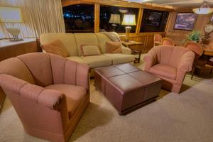 88' Knight & Carver Custom Cockpit Motoryacht 1988 SALON