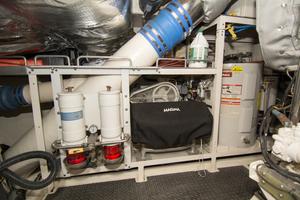 88' Knight & Carver Custom Cockpit Motoryacht 1988 ENGINE ROOM