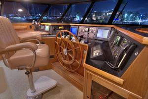 88' Knight & Carver Custom Cockpit Motoryacht 1988 PILOTHOUSE