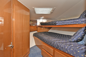 50' Viking 50 Convertible  2001 VIP Stateroom - Forward