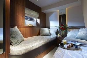 53' Sunseeker Manhattan 53 2012 27 Manufacturer Provided Pic Guest Cabin