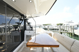 51' Sea Ray 51 Flybridge  2014 Cockpit