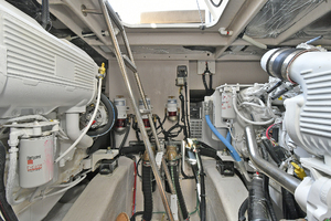 51' Sea Ray 51 Flybridge  2014 Engine Room
