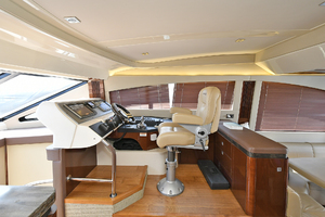 51' Sea Ray 51 Flybridge  2014 Lower Helm Station