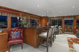 128' Palmer Johnson Custom Tri-deck Motoryacht 2000 SALON BAR