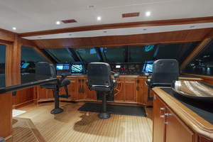 128' Palmer Johnson Custom Tri-deck Motoryacht 2000 PILOTHOUSE
