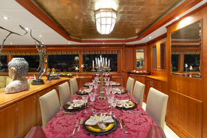 128' Palmer Johnson Custom Tri-deck Motoryacht 2000 DINING TABLE