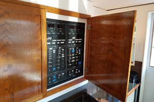 78' Hatteras Cockpit Motoryacht 1989 Control Panel In Breakfast Area