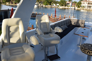 78' Hatteras Cockpit Motoryacht 1989 Flybridge Stidd Chairs