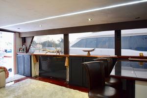 78' Hatteras Cockpit Motoryacht 1989 Salon View To Port