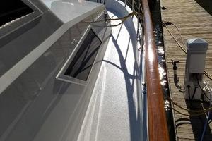 78' Hatteras Cockpit Motoryacht 1989 Starboard Sidedeck