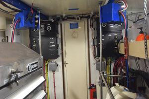 78' Hatteras Cockpit Motoryacht 1989 Engine Room Towards Door