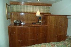 62' Neptunus Cruiser 2004 Master to Starboard