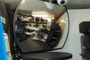 62' Neptunus Cruiser 2004 Engine Room Mirrors