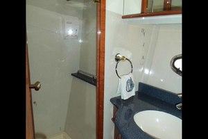 62' Neptunus Cruiser 2004 Guest Shower