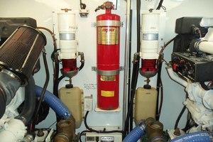 62' Neptunus Cruiser 2004 Engine Room Forward