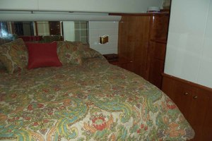 62' Neptunus Cruiser 2004 Master to Port