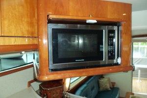 62' Neptunus Cruiser 2004 New Microwave