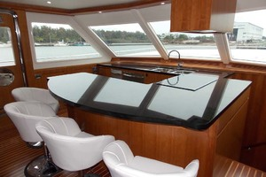 87' President 870 Tri Deck Lrc 2020  Galley And Pedestal Chairs