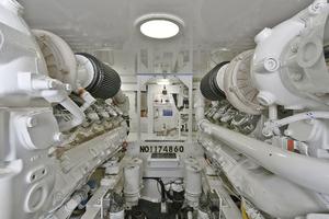 52' Viking 52 Convertible 2006 Engine Room