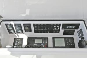 52' Viking 52 Convertible 2006 Electronics