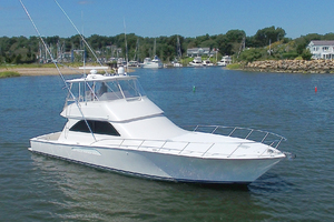 52' Viking 52 Convertible 2006 Starboard Bow