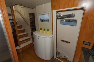 82' Monte Fino Widebody Skylounge 2001 Galley Entrance