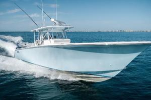 45' Seahunter 45 2015 Stbd Bow Running