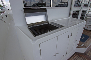 58' Offshore Yachts  1997 Aft Deck Grill