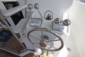 58' Offshore Yachts  1997 Aft Control Station
