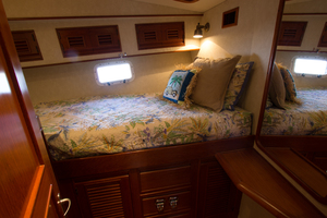58' Offshore Yachts  1997 Port Guest Stateroom