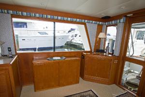 58' Offshore Yachts  1997 Salon Starboardardard