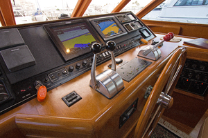 58' Offshore Yachts  1997 Pilothouse Electronics