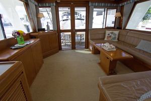 58' Offshore Yachts  1997 SalonAft