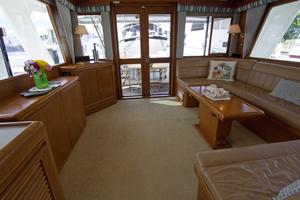 58' Offshore Yachts  1997 Salon Aft