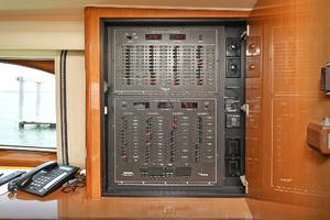 56' Viking 56 Convertible With Mezzanine 2004 Control Panel
