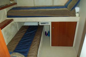 53' Sunseeker Portofino 53 2006 Stbd aft cabin